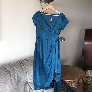 Ava Wiggle Dress